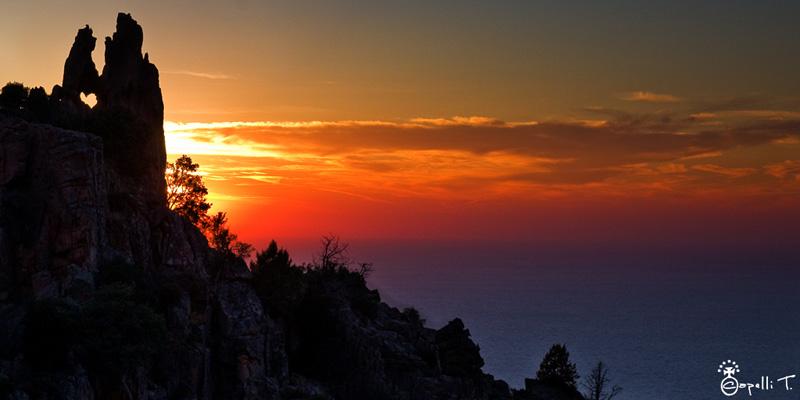 coucher de soleil aux calanques de piana