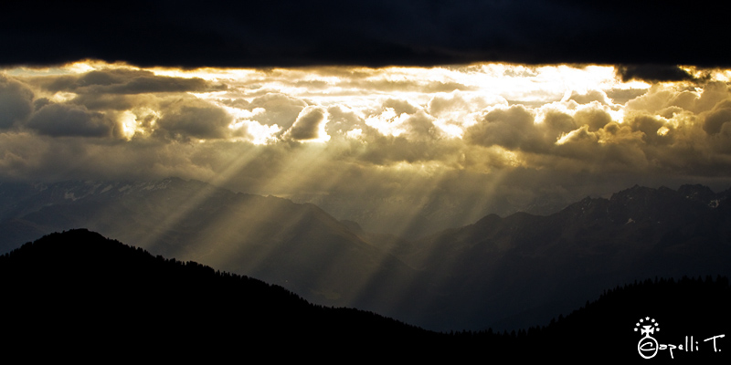 Lever du soleil charmant som