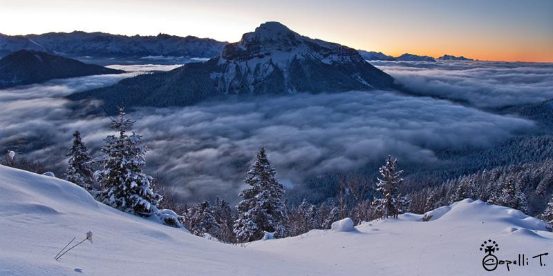 mer de nuage et de neige sur chamechaude