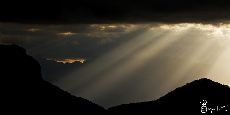 dent de crolles col du coq, bec charvet à travers les rayons du soleil