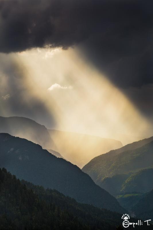 Un rayon de soleil sur les gorges du guiers mort - massif de la chartreuse - Thomas CAPELLI