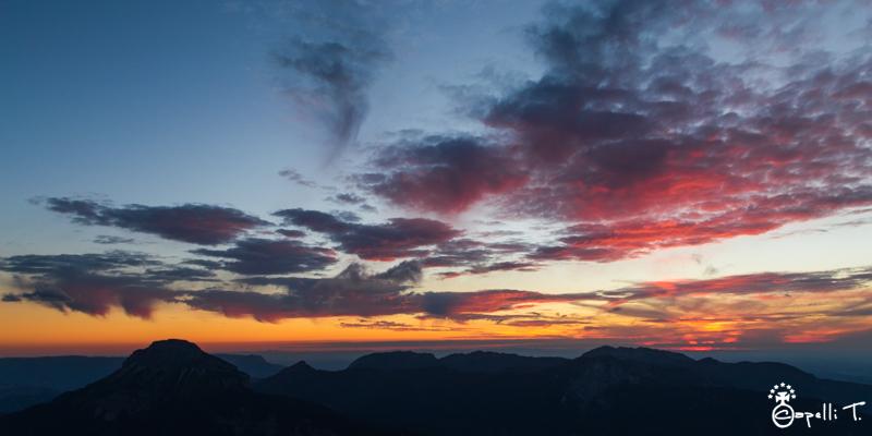 Beaux nuages au coucher du soleil sur la chartreuse - Thomas CAPELLI