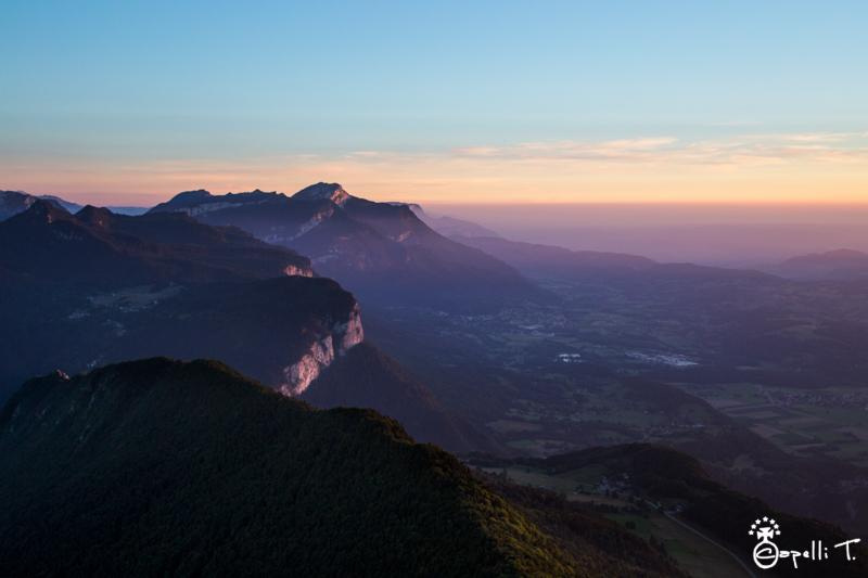 Photo du coucher du soleil sur la vallée du Guiers depuis la pointe de la cochette - Thomas CAPELLLI